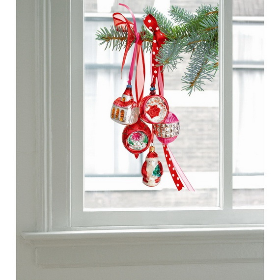 Creative Christmas Decor Ideas with Decals For a Holiday Atmosphere_39