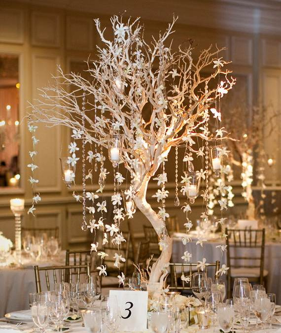 Inspiring-Winter-and-Christmas-Theme-Wedding-Centerpieces-_31