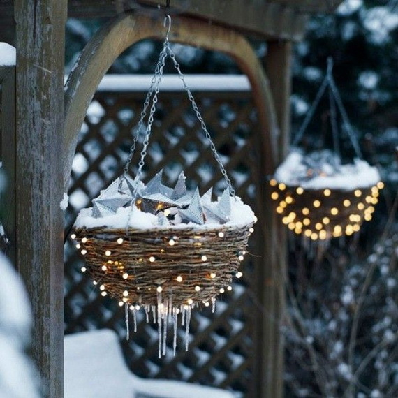 Jolly Ideas for Decorating with Christmas lights_02