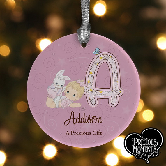 Tips and Traditions for Baby's First Christmas_12