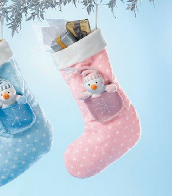 Tips and Traditions for Baby's First Christmas_22