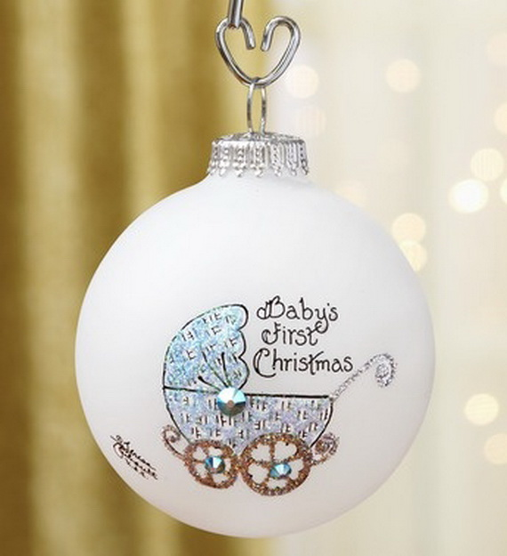 Tips and Traditions for Baby's First Christmas_23