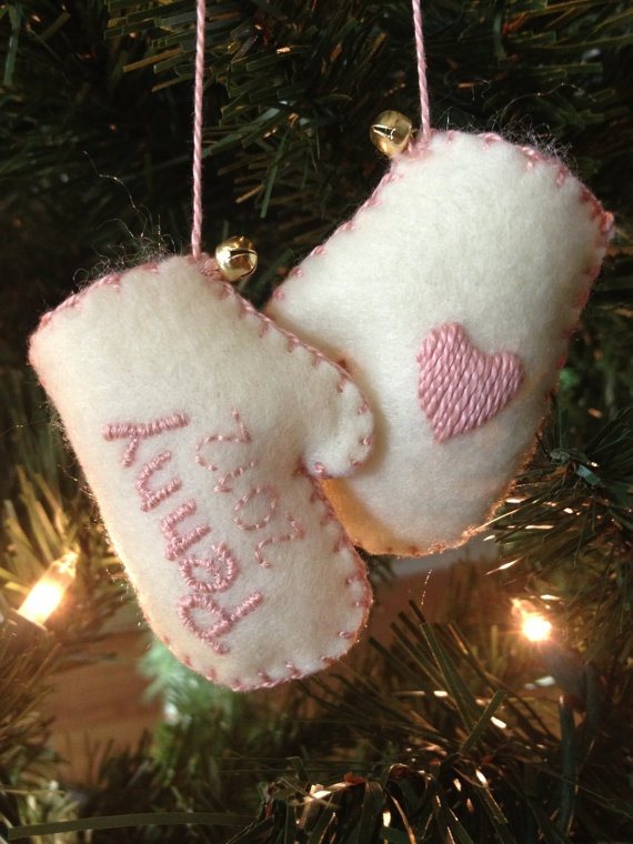 Tips and Traditions for Baby's First Christmas_61