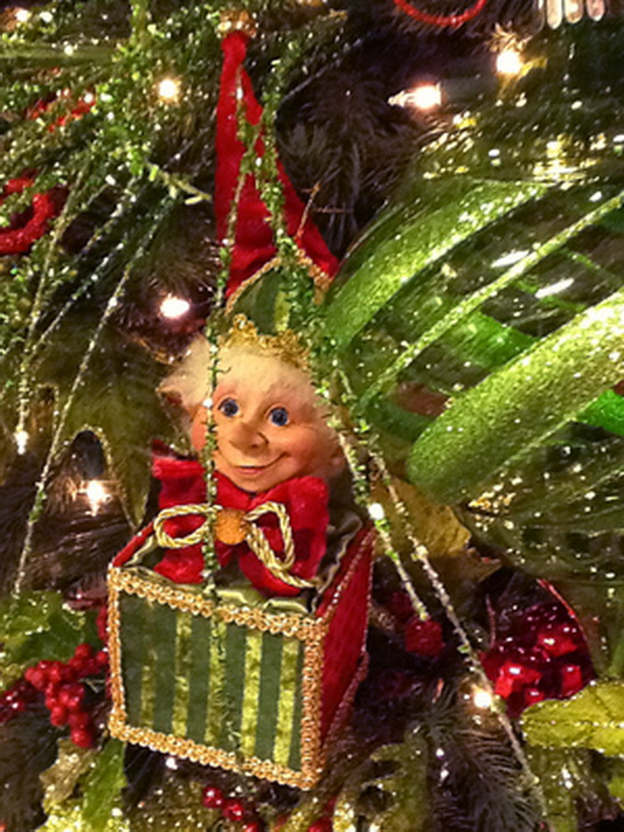 2014 RAZ Aspen Sweater Christmas Decorating Ideas_012