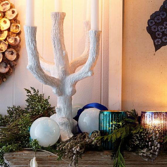 50 Magnificent Coastal-Themed Christmas Interior Decor_09