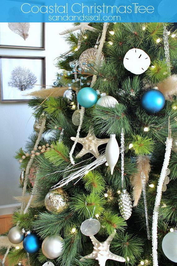 50 Magnificent Coastal-Themed Christmas Interior Decor_36