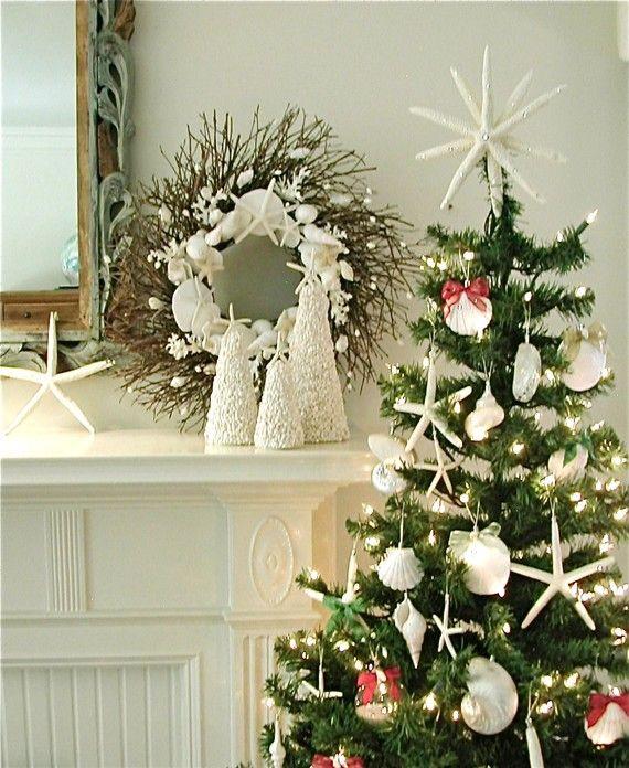 50 Magnificent Coastal-Themed Christmas Interior Decor_42