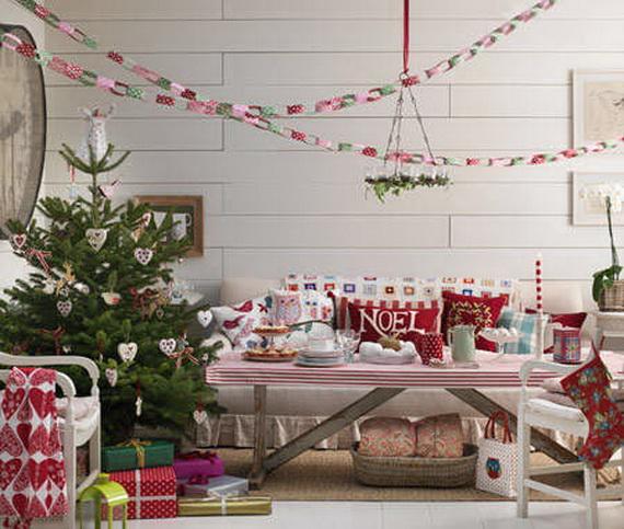 Elegant Christmas Country Living Room Decor Ideas 16
