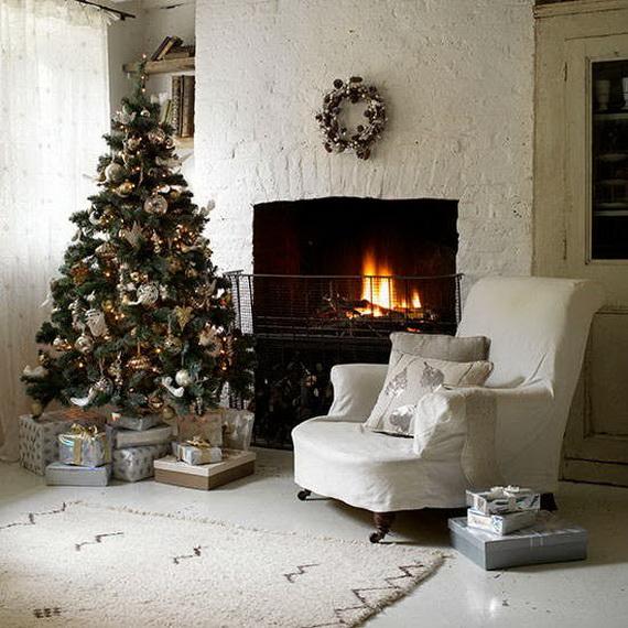 Elegant Christmas Country Living Room Decor Ideas_32