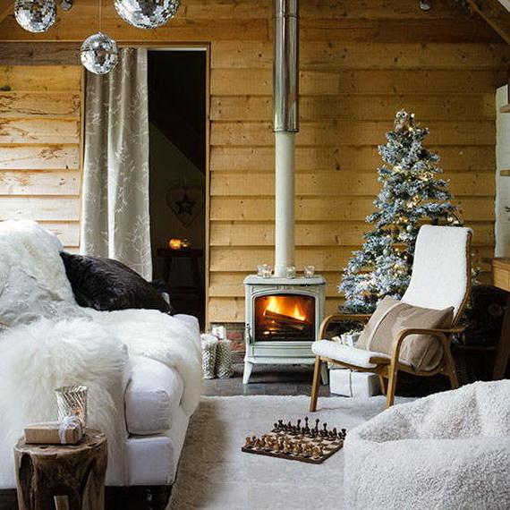 Elegant Christmas Country Living Room Decor Ideas_41