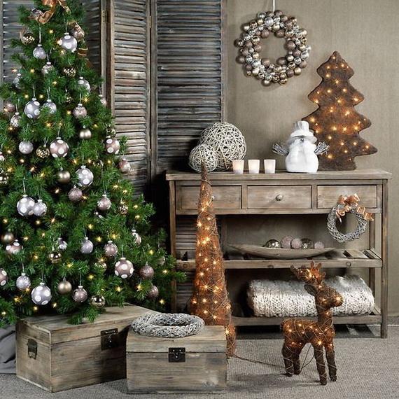 Elegant Christmas Country Living Room Decor Ideas_49