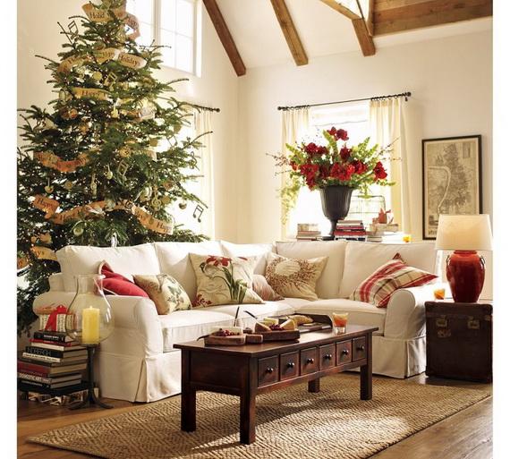Elegant Christmas Country Living Room Decor Ideas_53