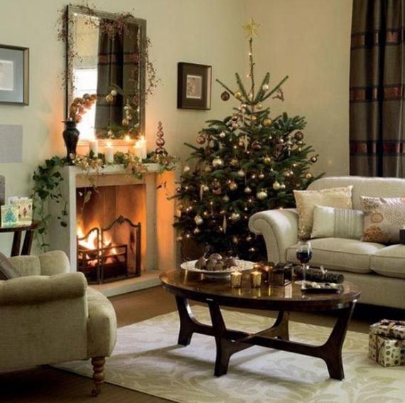 Elegant Christmas Country Living Room Decor Ideas_54