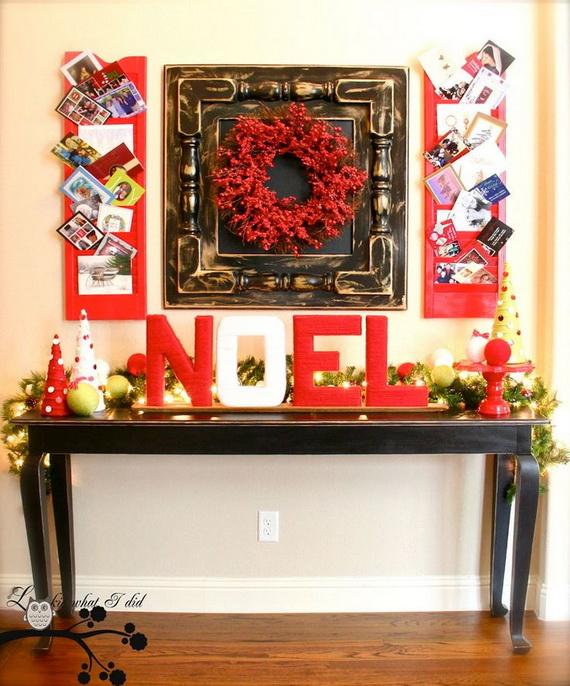 Fresh Festive Christmas Entryway Decorating Ideas_35