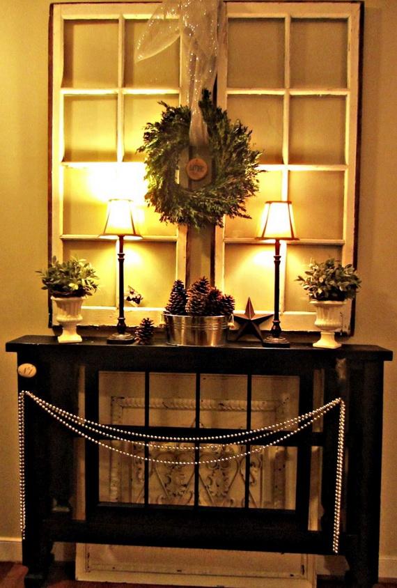 Fresh Festive Christmas Entryway Decorating Ideas_44