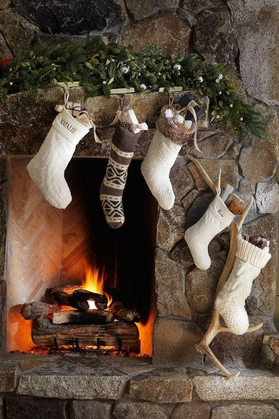 Gorgeous Fireplace Mantel Christmas Decoration Ideas _16