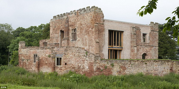 Historical Astley Castle In The Warwickshire Countryside_10