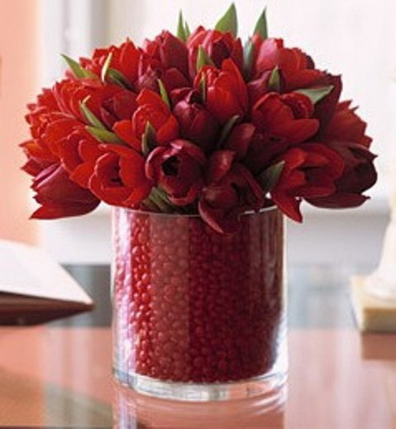 Amazing Romantic Table Centerpiece Decorating Ideas for Valentine's Day _04