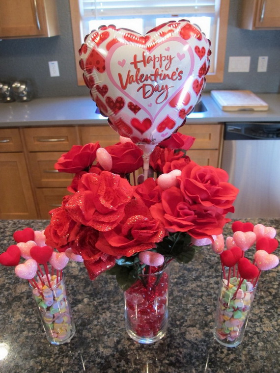 Amazing Romantic Table Centerpiece Decorating Ideas for Valentine's Day _14