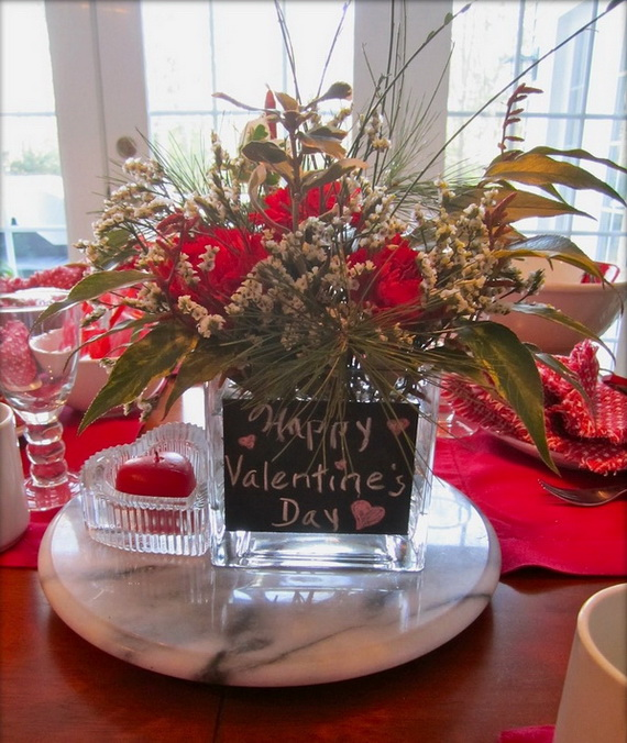 Amazing Romantic Table Centerpiece Decorating Ideas for Valentine's Day _24