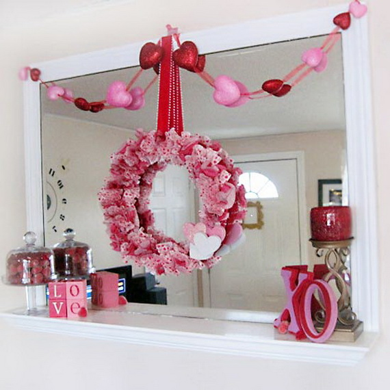 Cool Valentine's Day Mantel Décor Ideas_02