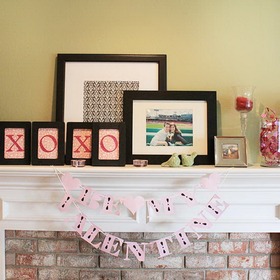 Cool Valentine's Day Mantel Décor Ideas_07