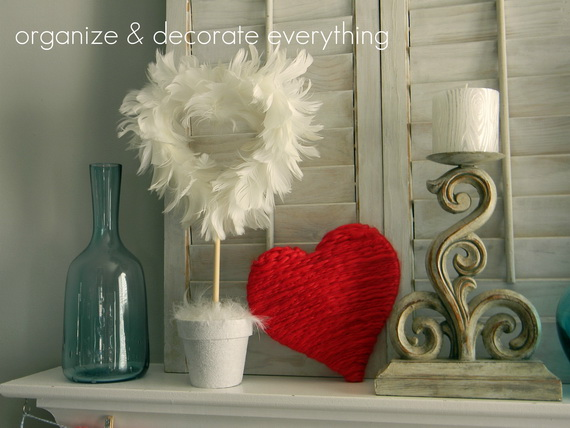 Cool Valentine's Day Mantel Décor Ideas_2