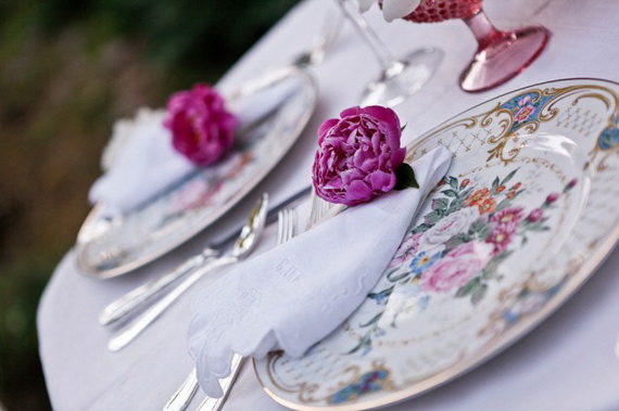 Creative Table Arrangements For A Welcoming Holiday _11