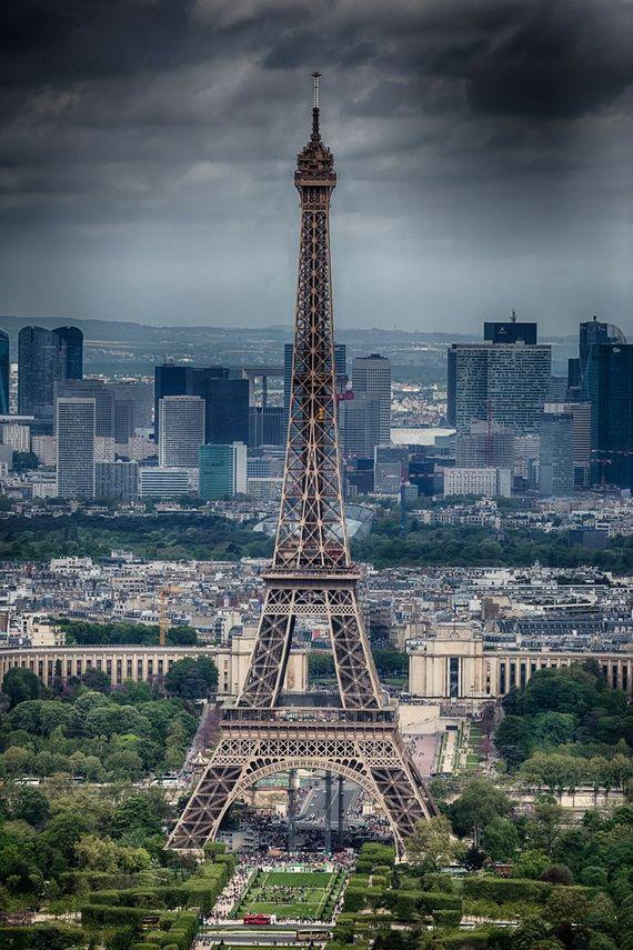 A Family-Friendly City Break  in  Paris Eiffel Tower  _13