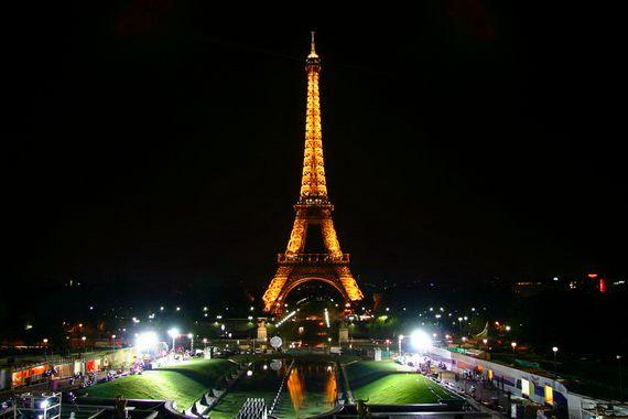 A Family-Friendly City Break  in  Paris Eiffel Tower  _24