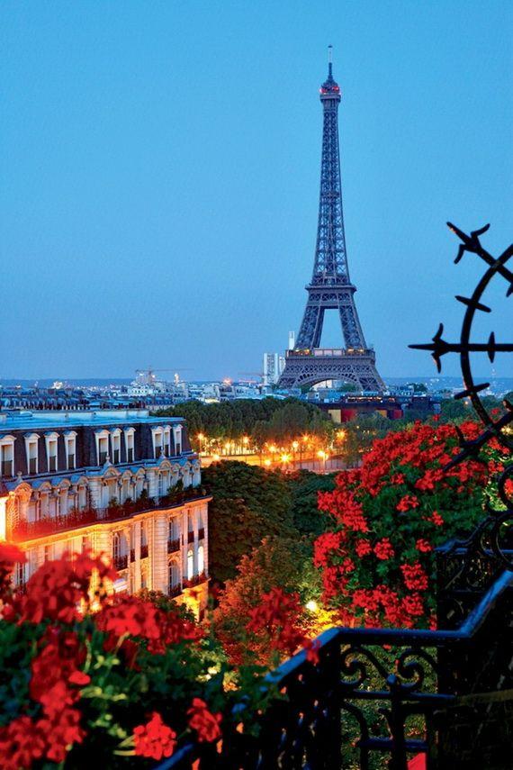 A Family-Friendly City Break  in  Paris Eiffel Tower  _27