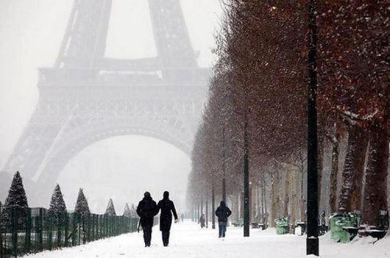 A Family-Friendly City Break  in  Paris Eiffel Tower  _38