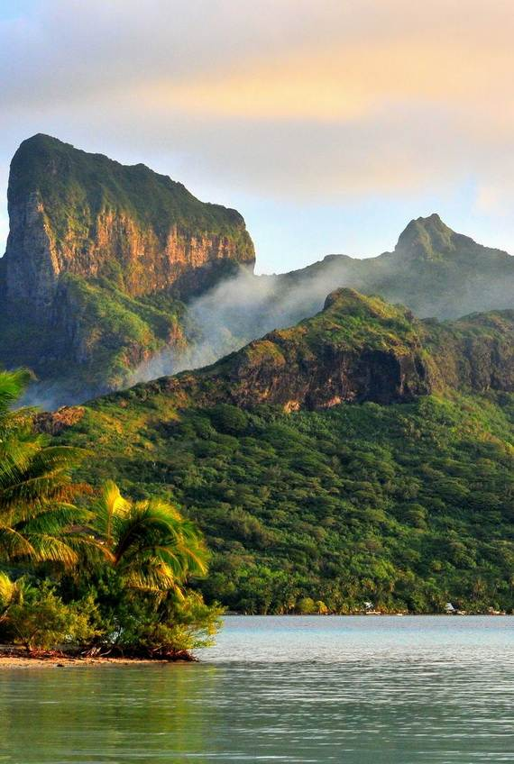 Best-Overwater-Bungalows-In-Tahiti-Le-Meridien-Bora-Bora-_01