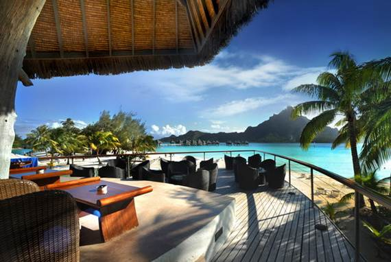 Best-Overwater-Bungalows-In-Tahiti-Le-Meridien-Bora-Bora-_11