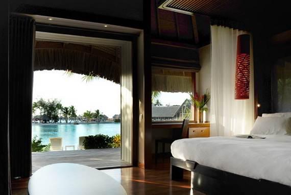 Best-Overwater-Bungalows-In-Tahiti-Le-Meridien-Bora-Bora-_17
