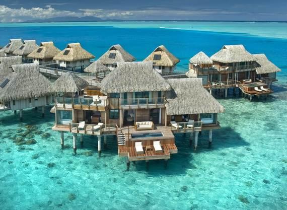 Best-Overwater-Bungalows-In-Tahiti-Le-Meridien-Bora-Bora-_37