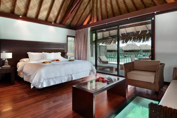 Best-Overwater-Bungalows-In-Tahiti-Le-Meridien-Bora-Bora-_38