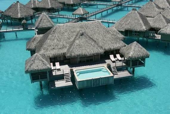 Best-Overwater-Bungalows-In-Tahiti-Le-Meridien-Bora-Bora-_48