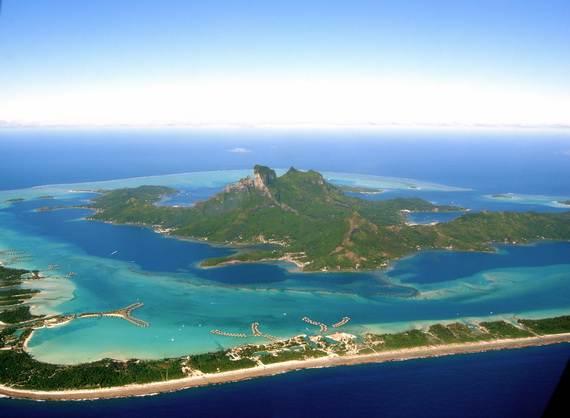 Best-Overwater-Bungalows-In-Tahiti-Le-Meridien-Bora-Bora-_57