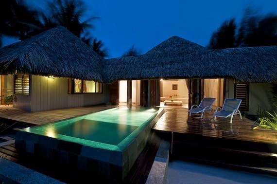 Best-Overwater-Bungalows-In-Tahiti-Le-Meridien-Bora-Bora-_73