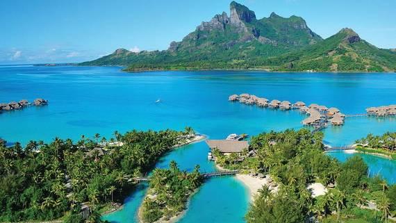 Best-Overwater-Bungalows-In-Tahiti-Le-Meridien-Bora-Bora-_81
