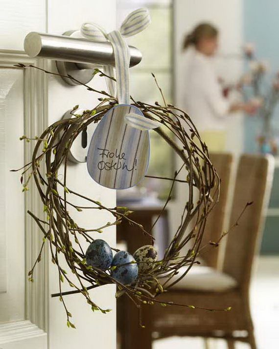 Osterbrunch: T?rkranz aus Zweigen