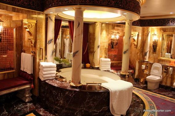Sneak Peek; The World's Most Luxurious Hotel Burj Al Arab Dubai, United Arab Emirates_4 (2)