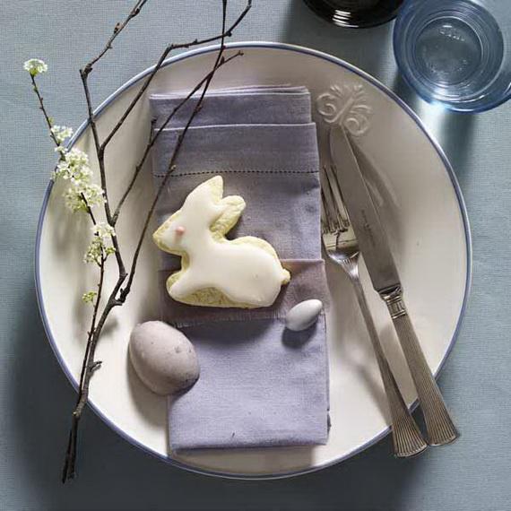 Ostern: Gedeck mit Hasenkeks