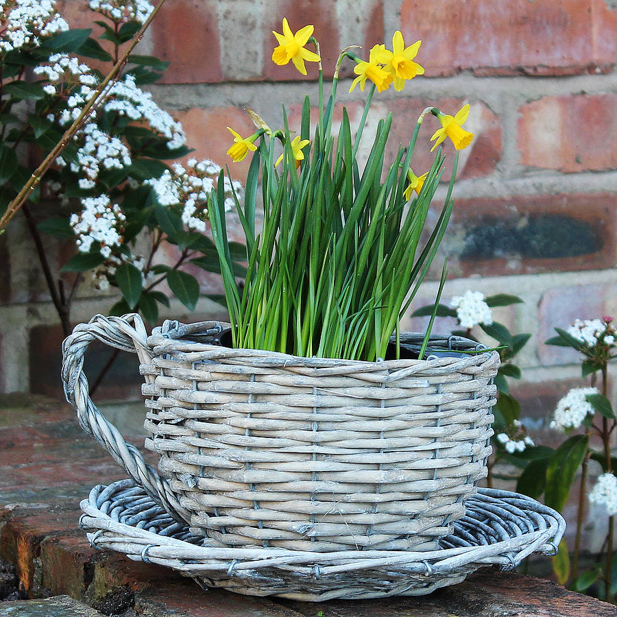 70 Awesome Outdoor Easter Decorations For A Special Holiday_43
