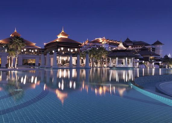 Anantara_Dubai_The_Palm_Resort_Main_Swimming_Pool_Night