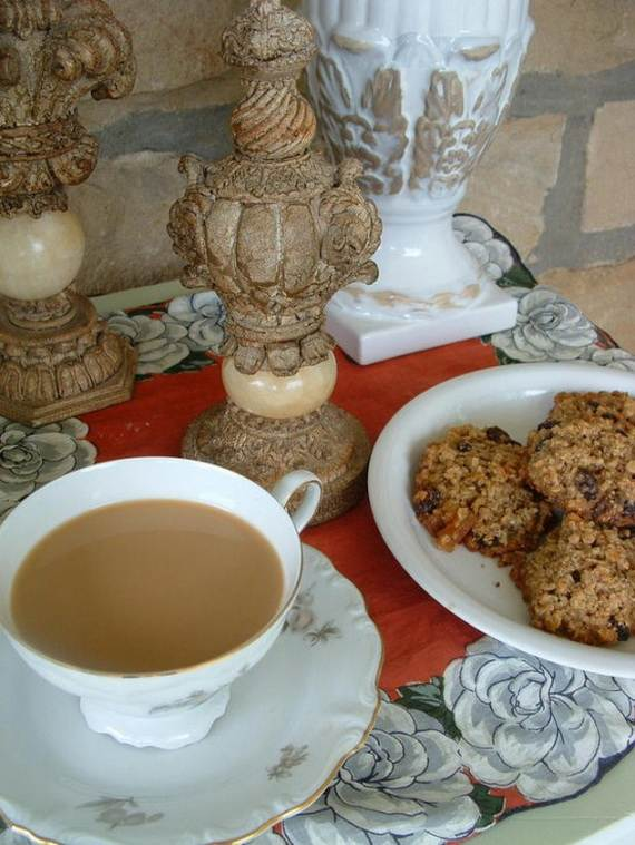 30-Cool-Mother's-Day-Tea-Table-Décor-Ideas_14