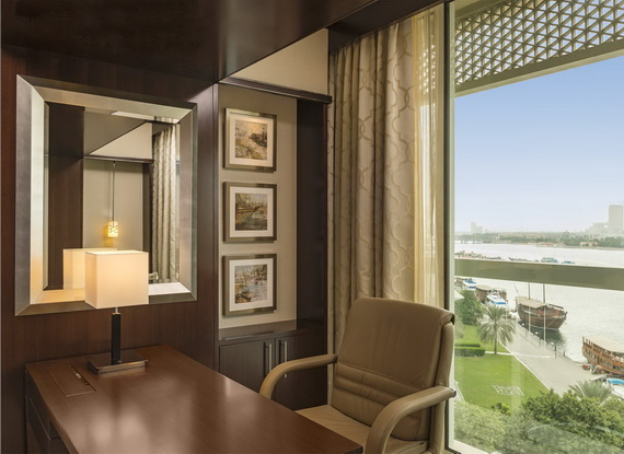 Spend A Luxury  Holiday In Sheraton Dubai Creek Hotel & Towers  _03 (2)