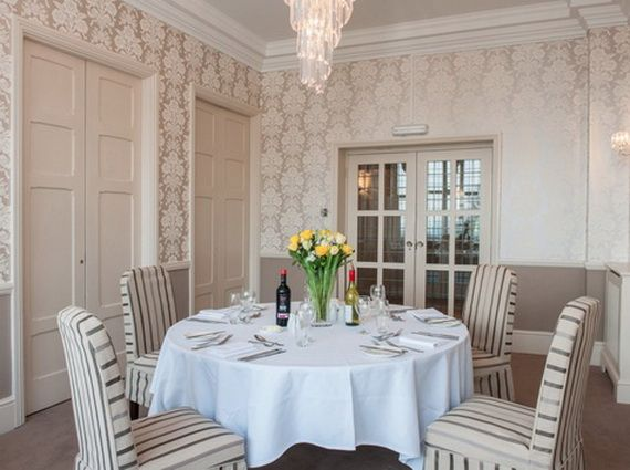 Discover The Manor Hotel Where Contemporary Luxury Finds Its Purest Form_16