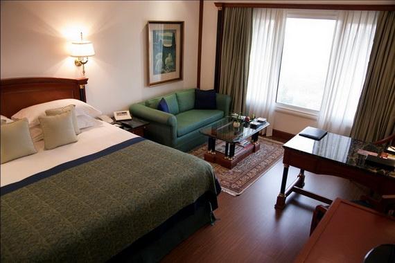 A Luxury Old World Charm in Center New Delhi Taj Mahal Hotel _01